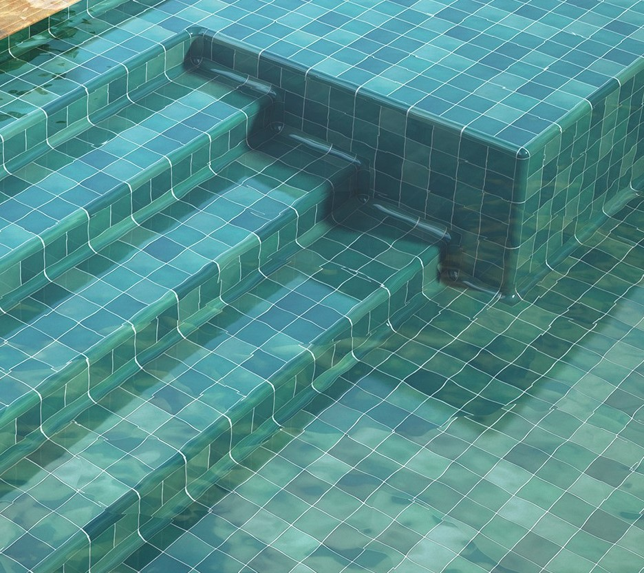 Destonificated 10x10 cm porcelanic for the interior of the pool