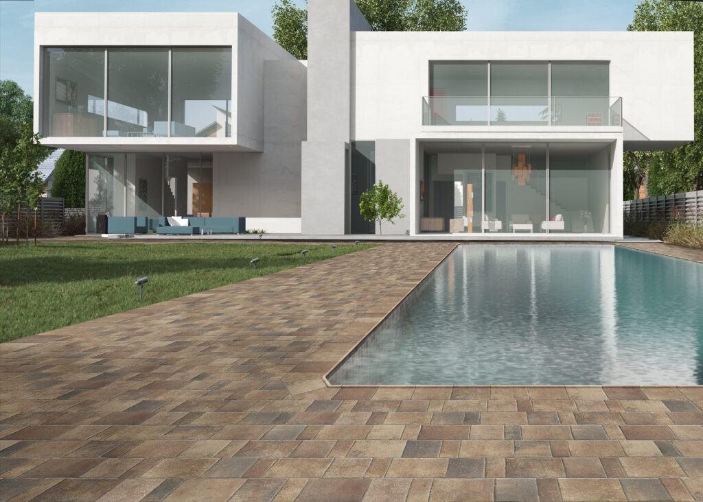 Pool ambience with a terracotta finish & 10x10 cm destonificated porcelain coating